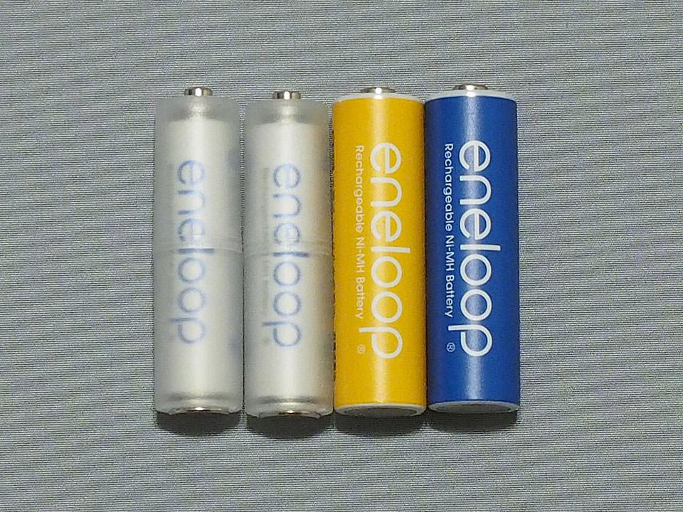 単3電池と比較。