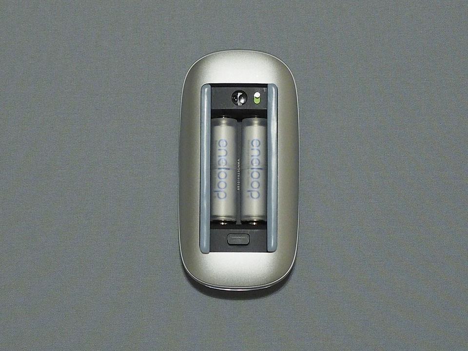 Apple Magic Mouse の電池ボックスにバッチリフィット!