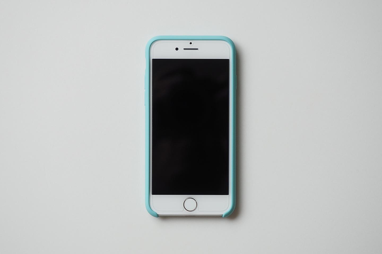 iPhone 7 シリコーンケース装着時 正面。