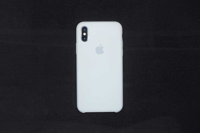 Apple純正シリコーンケースが黄ばんできた。