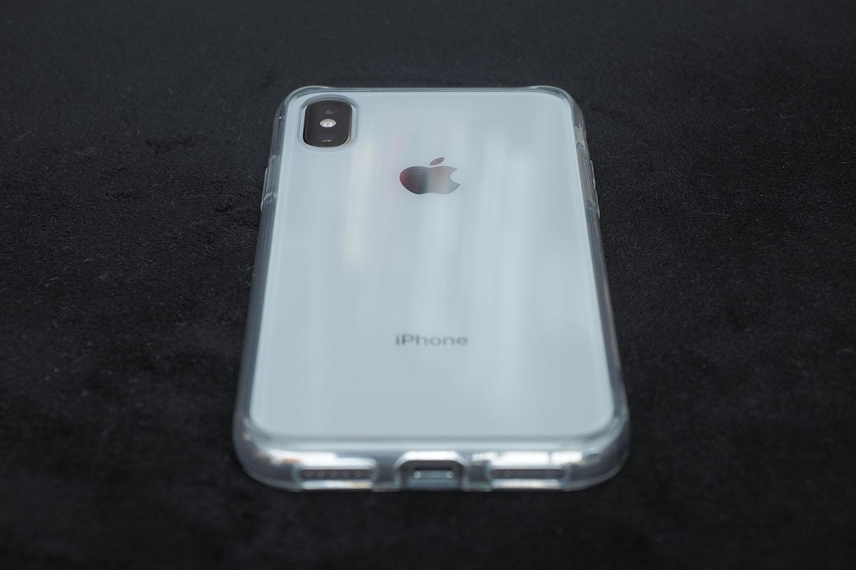 リンゴマークもiPhoneの刻印もはっきりと見える。