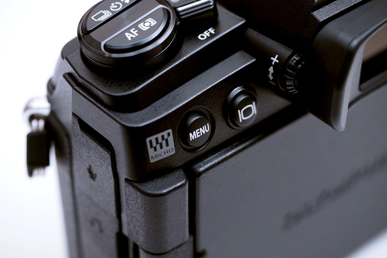 OM-D_E-M1_MarkⅢ_MENUボタン